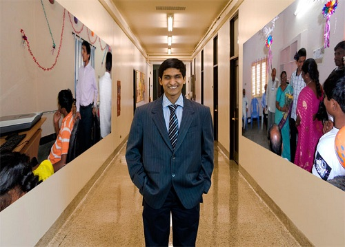 srikanth bolla,پسر نابینایی که میلیونر شد,راه اندازی کسب و کار
