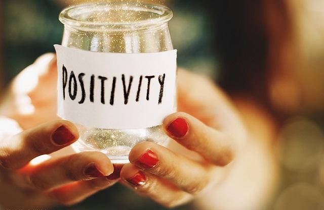 مثبت اندیش باشیم,مثبت اندیشی,مثبت فکر کن