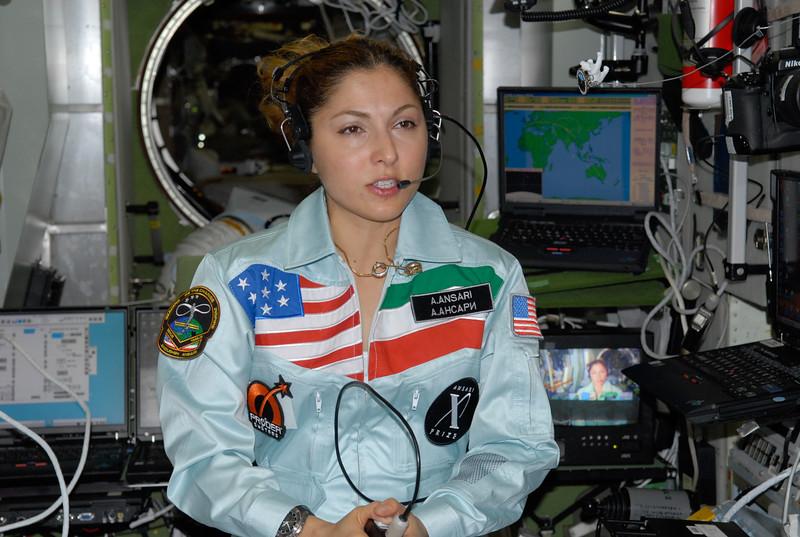 زندگینامه انوشه انصاری فضانورد,زندگینامه بزرگان,عکس انوشه انصاری