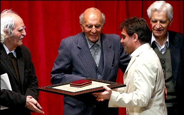 چهره های ماندگار,دانشمند برتر جهان,درباره دکتر محمد حسن گنجی
