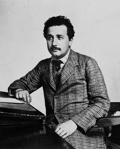 بیوگرافی انیشتین,بیوگرافی دانشمندان,زندگی نامه آلبرت انیشتین