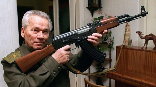 زندگینامه کلاشینکف,زندگینامه میخائیل کلاشینکف,سازنده اسلحه کلاشینکف