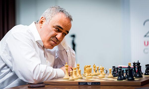 زندگینامه ورزشکاران,قهرمان شطرنج جهان کاسپاروف,گری کاسپاروف