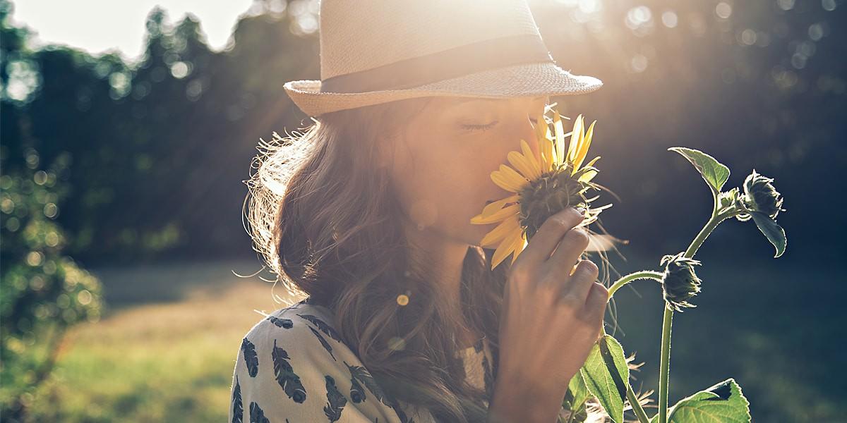 چگونه در زندگی شاد باشیم,چگونه در زندگی شاد باشیم,راه رسیدن به شادی