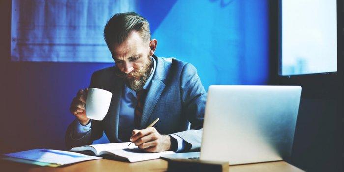 رسیدن به موفقیت تجاری,فردی موفق,موفقیت در کسب و کار