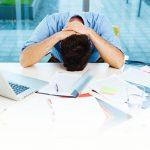 6 راه برای متوقف کردن خودآزاری ناشی از اشتباهات کاری